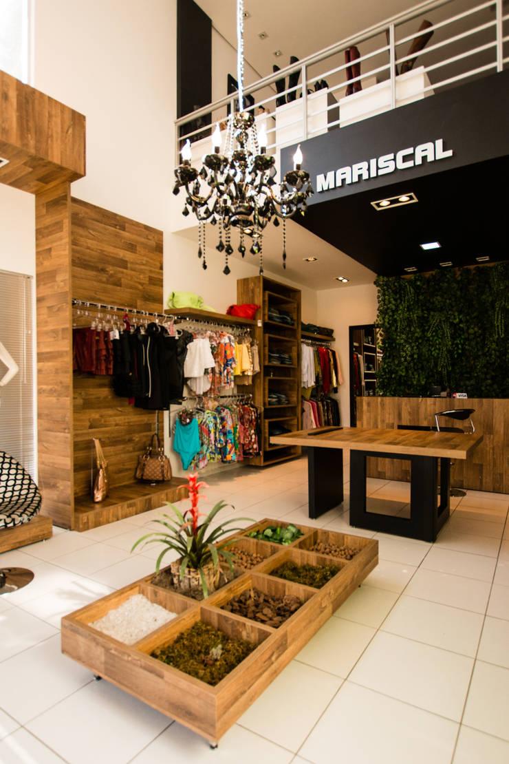 MARISCAL STORE: Lojas e imóveis comerciais  por Veridiana Negri Arquitetura