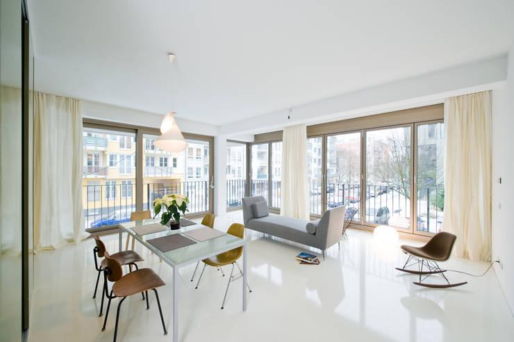 Wohnraum : moderne Wohnzimmer von SEHW Architektur GmbH