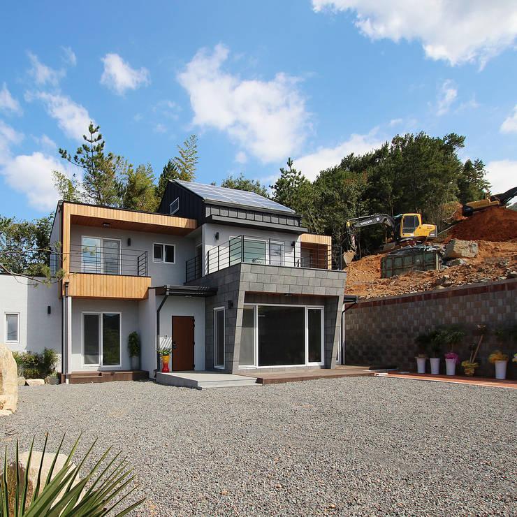 오르빌: 로이하우스의  주택