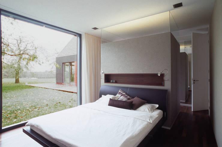 Projekty,  Sypialnia zaprojektowane przez Markus Gentner Architekten