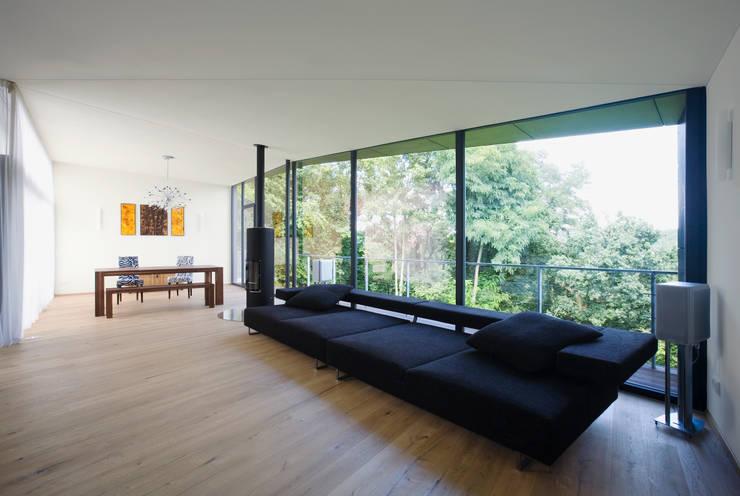 Living room by Markus Gentner Architekten