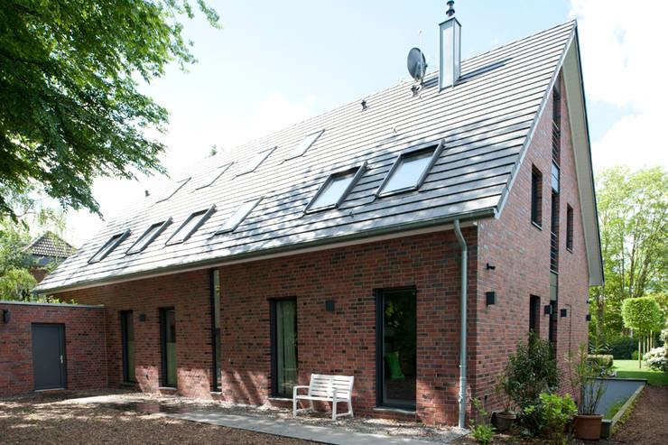 Дома в . Автор – Architekturbüro J. + J. Viethen