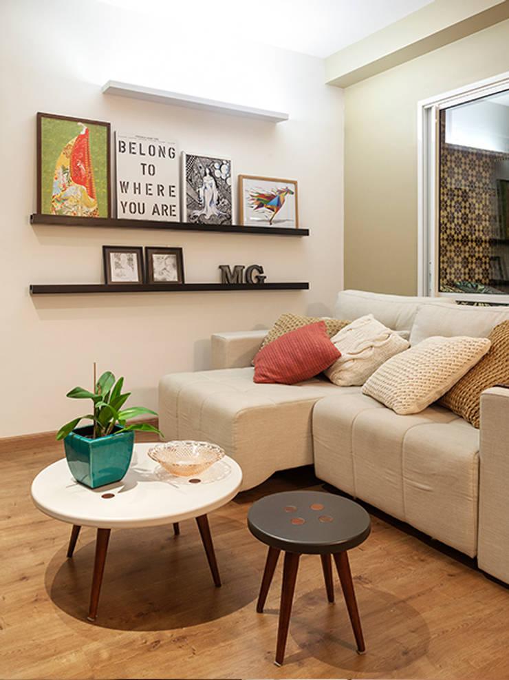 RESIDÊNCIA MAYNARD: Salas de estar modernas por Isabela Bethônico Arquitetura