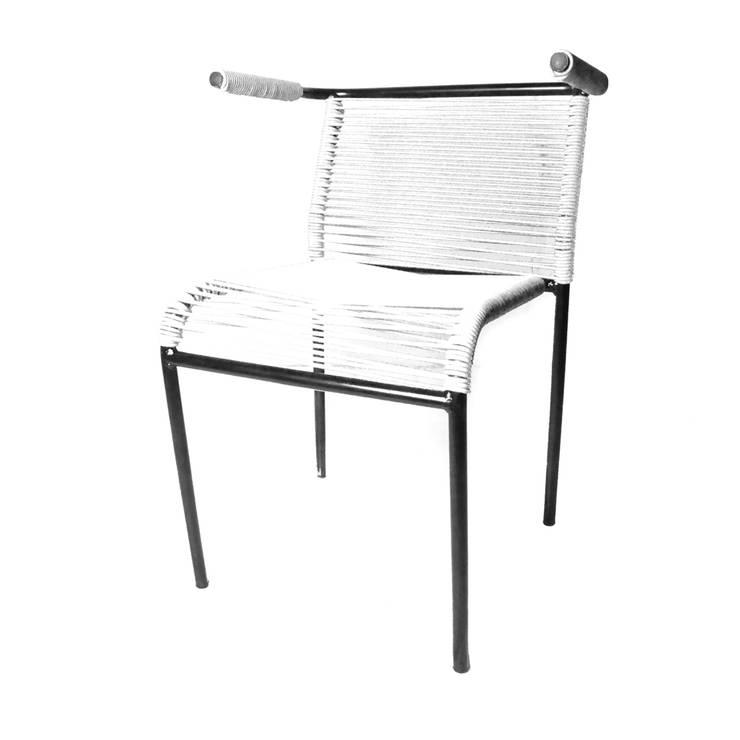 Chaise Lula: Salon de style de style Moderne par boqa