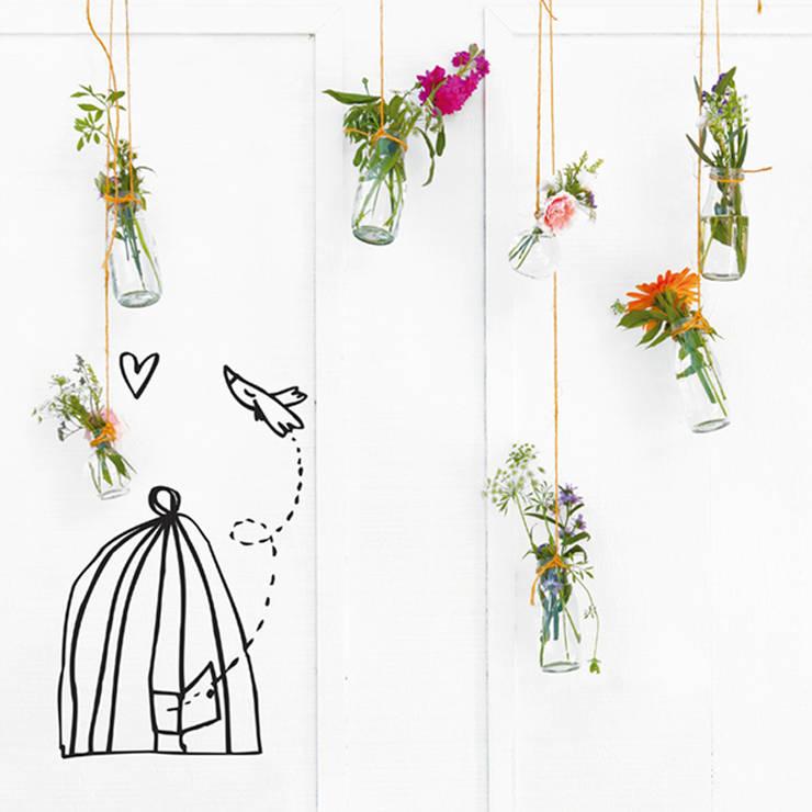 Vinilo decorativo Pájaro libre: Paredes y suelos de estilo  de Chispum