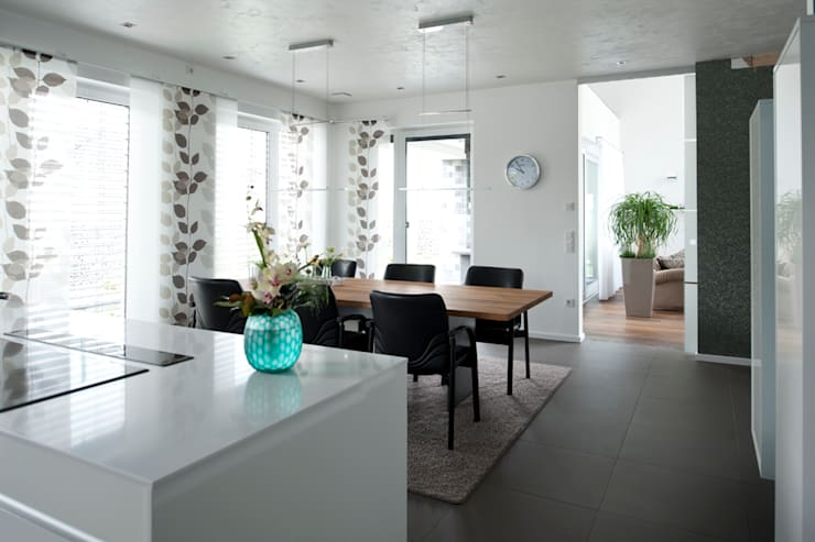 modern Dining room by Architekturbüro J. + J. Viethen