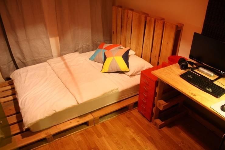 Atölye Butka – Palet Yatak Odası Grubu:  tarz Yatak Odası