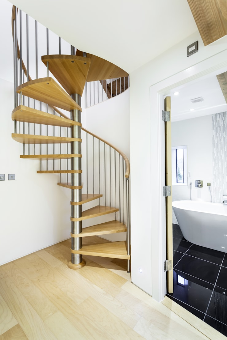 Spiral Staircase Gloucester:  Corridor, hallway & stairs by Complete Stair Systems Ltd