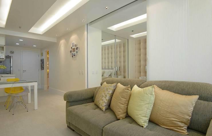 Sala de Estar Integração Parcial: Salas de estar  por fpr Studio,