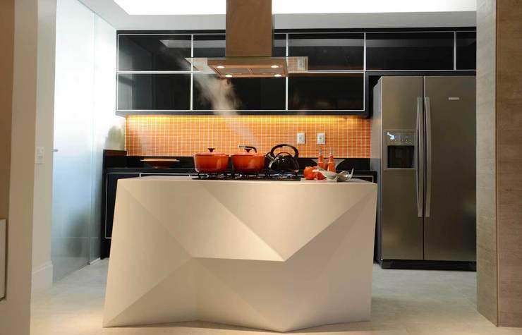 Cozinha Integrada: Cozinhas modernas por fpr Studio