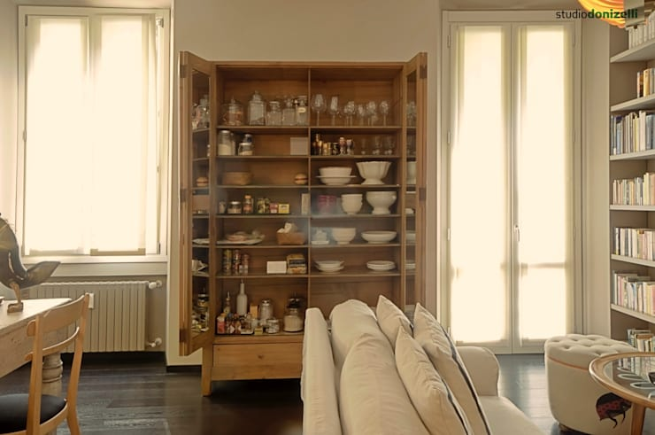 Casa Nadine, stile in low cost!: Soggiorno in stile  di studiodonizelli