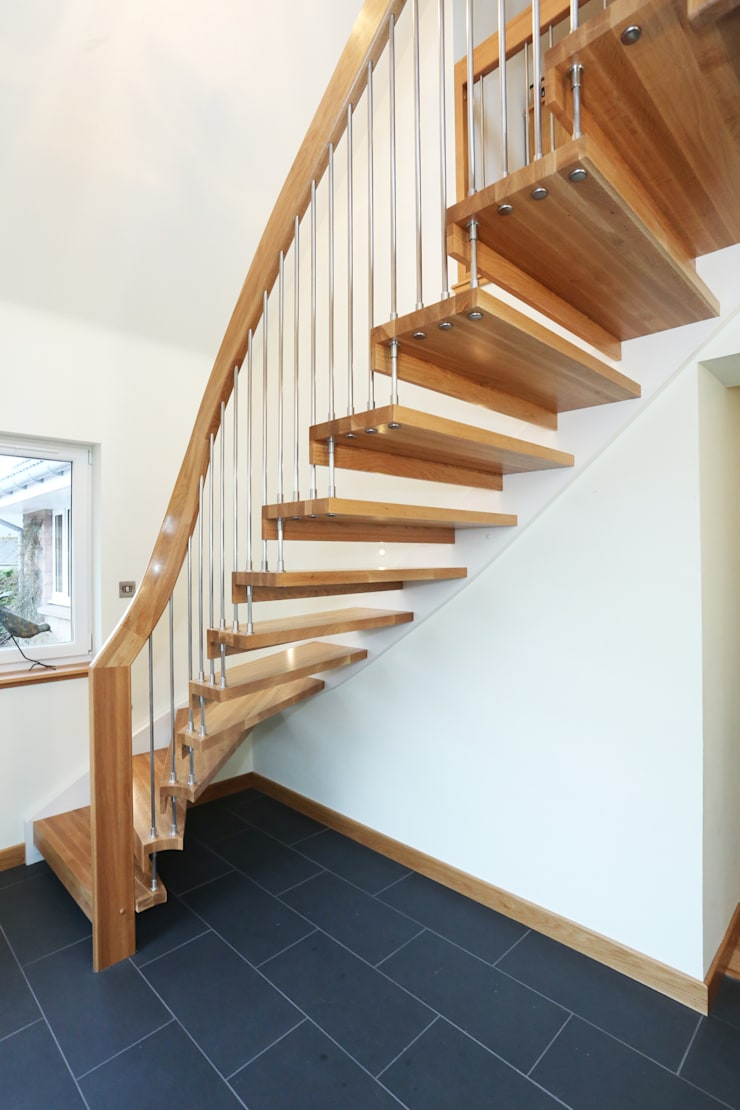 Timber Staircase Aberdeen:  Corridor, hallway & stairs by Complete Stair Systems Ltd