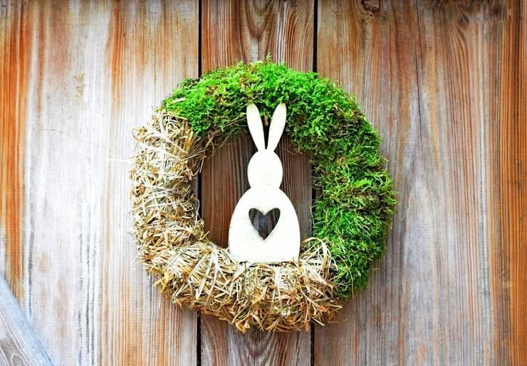 Wianek wielkanocny z bielonym królikiem: styl , w kategorii Gospodarstwo domowe zaprojektowany przez ScandiArt Studio