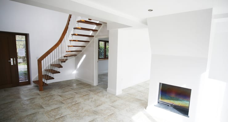 Floating Staircase Ringwood:  Corridor, hallway & stairs by Complete Stair Systems Ltd