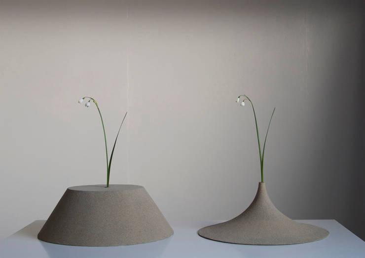 Sand: Studio Yukihiro Kaneuchiが手掛けたリビングルームです。,