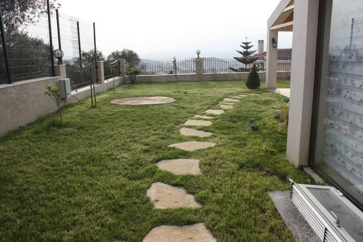 AYAYAPITASARIM – VİLLA:  tarz Bahçe