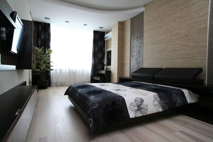 Дизайн интерьера четырехкомнатной квартиры.  г. Саратов: Спальни в . Автор – Студия Павла Исаева