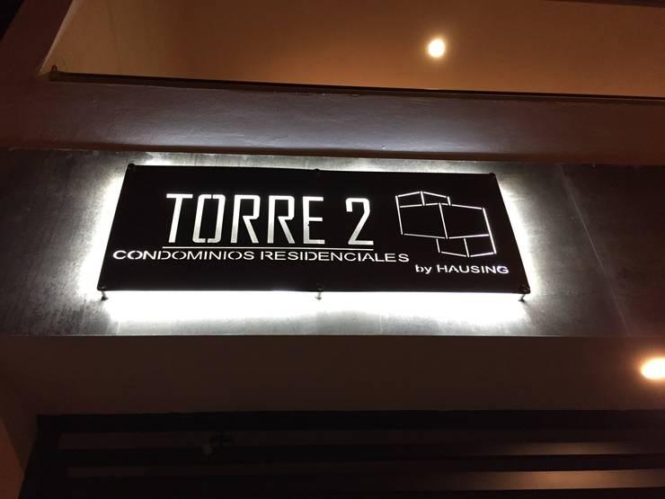 TORRE II CONDOMINIOS RESIDENCIALES : Casas de estilo  por hausing arquitectura