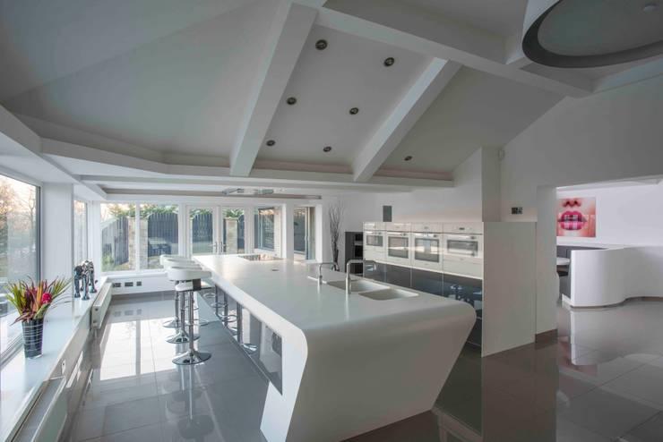 MR & MRS MORLEY'S KITCHEN:  Kitchen by Diane Berry Kitchens