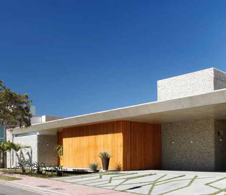 Residência R&CH: Casas  por Skylab Arquitetos,Minimalista Concreto