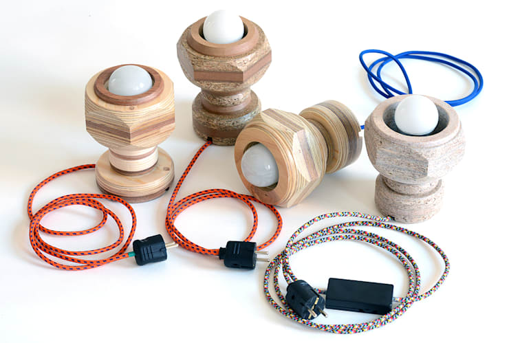 Groep staande lampjes:   door Ingrid Kruit, Industrieel