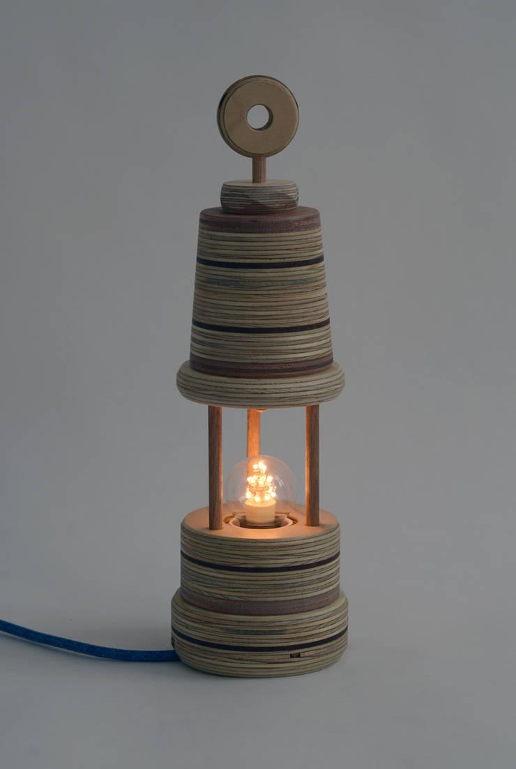 """""""Mijnwerkerslampje"""":   door Ingrid Kruit, Industrieel"""