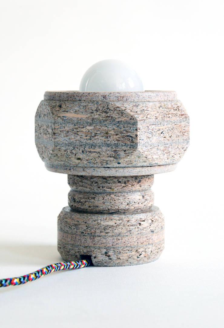 Staand lampje:   door Ingrid Kruit, Industrieel