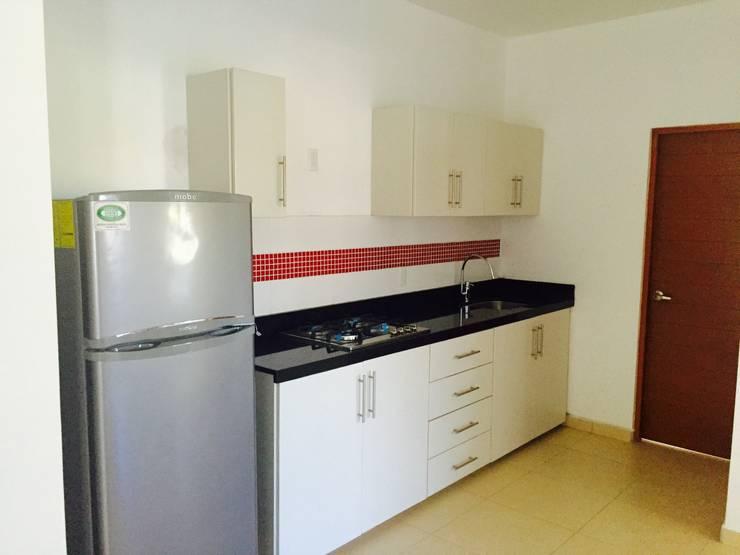 modern Kitchen by hausing arquitectura