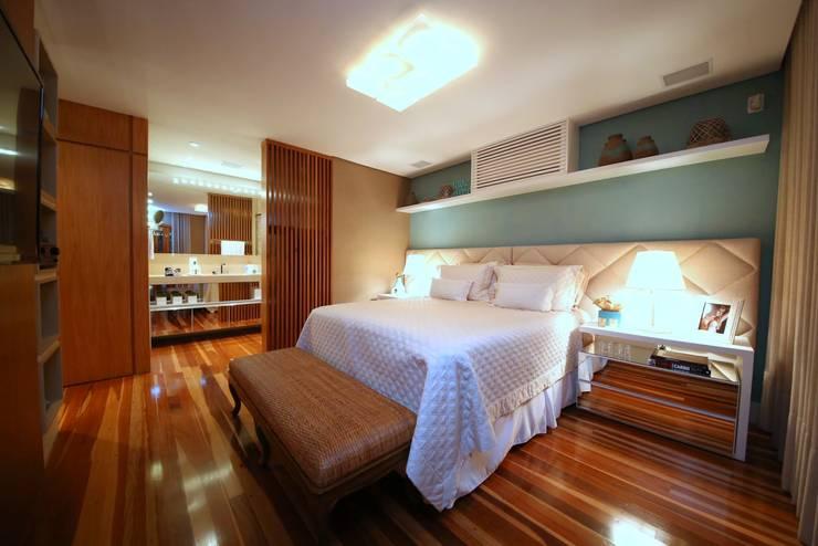 Dormitorios de estilo  por MeyerCortez arquitetura & design