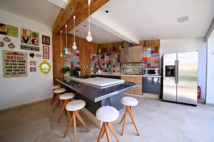 Garajes de estilo  por MeyerCortez arquitetura & design
