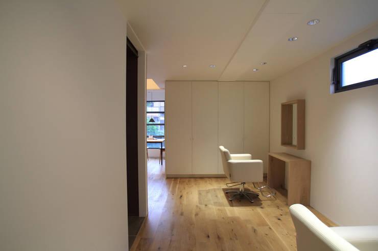 cut room: 白坂 悟デザイン事務所が手掛けた商業空間です。