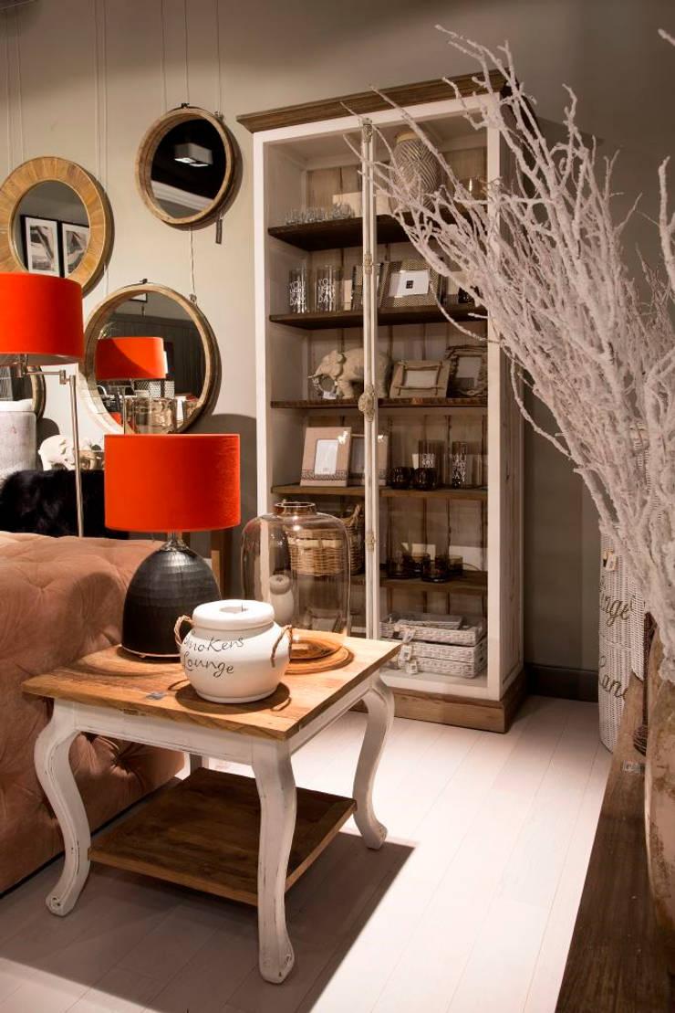 Aranżacje: styl , w kategorii Salon zaprojektowany przez House&more,