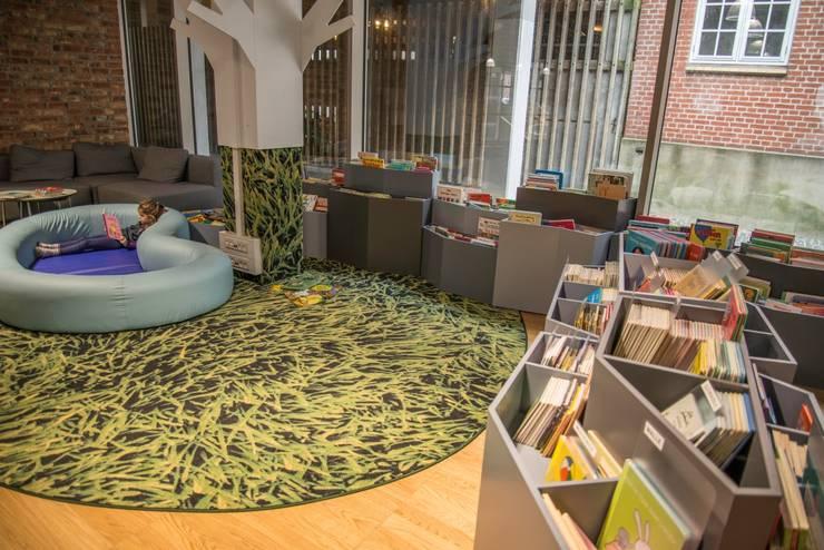 A Biblioteca: Escolas  por Decorpisus