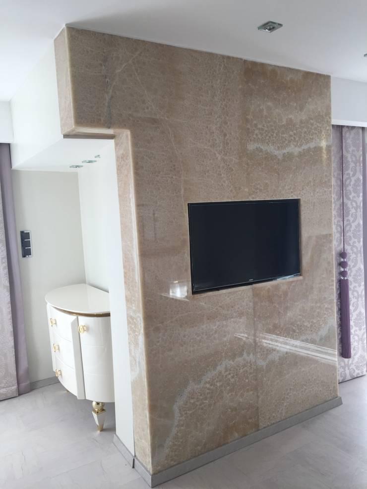 Luxury Stone / Billionaire Furniture Club – Luxury Stone:  tarz Giyinme Odası