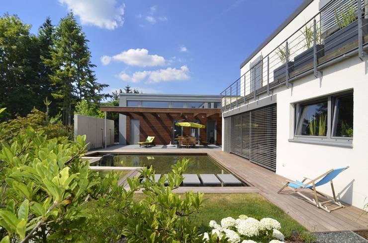 Haus KD: Wohnhauserweiterung mit Wellnessbereich  :  Häuser von KERSCH + HANSEN ARCHITEKTEN