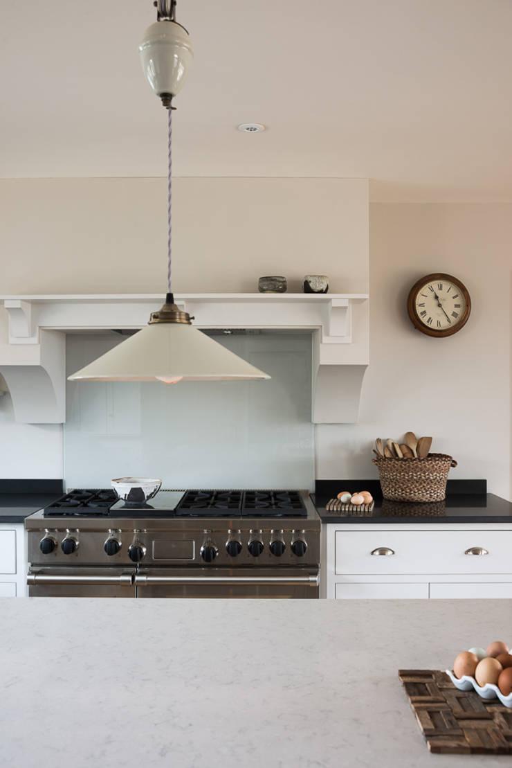 The Nursery Shaker Kitchen by deVOL:  Kitchen by deVOL Kitchens