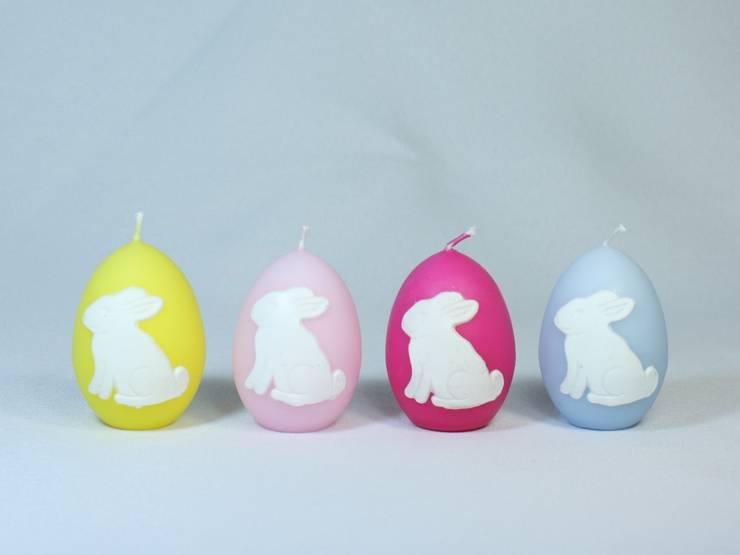 Osterkerzen Set-Nr.311 - Bunte hüpfende Hasen auf grauen Ostereier-Kerzen:  Wohnzimmer von Bastelsepp
