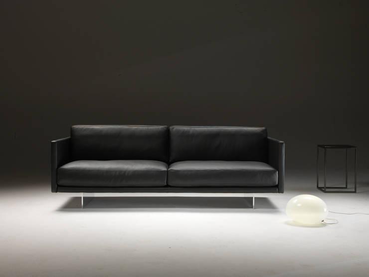 AIR :  Woonkamer door DCM Interior Design