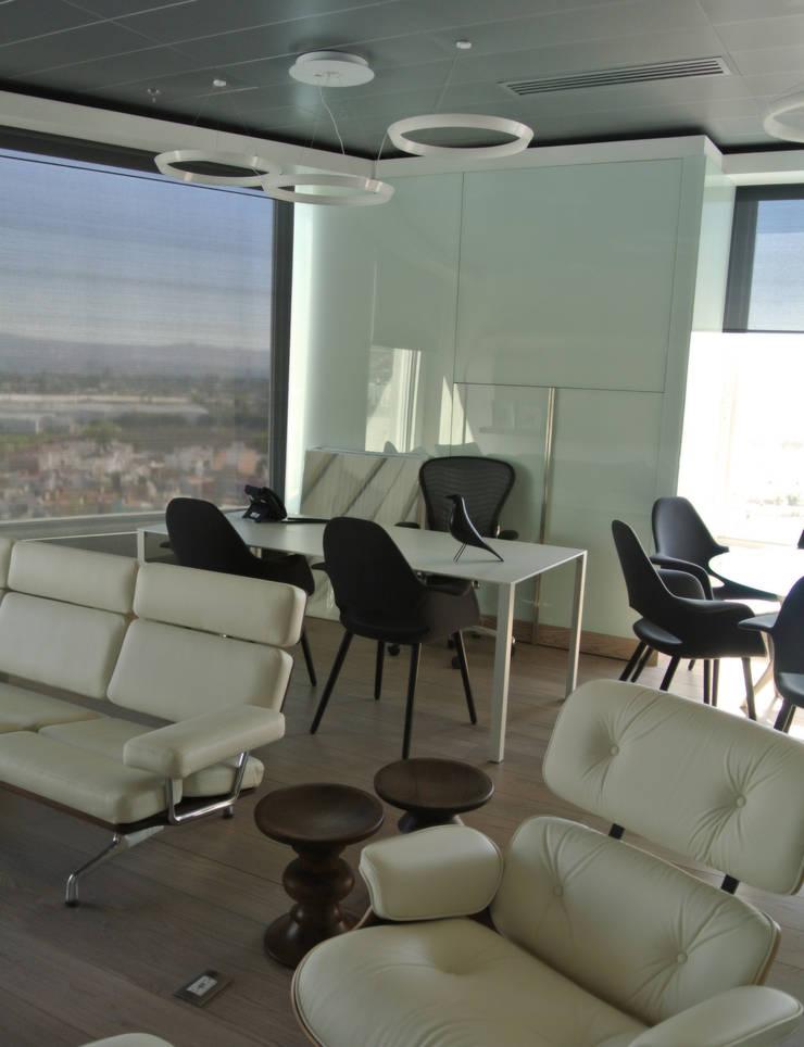 OFICINA RR: Oficinas y tiendas de estilo  por citylab Laboratorio de Arquitectura