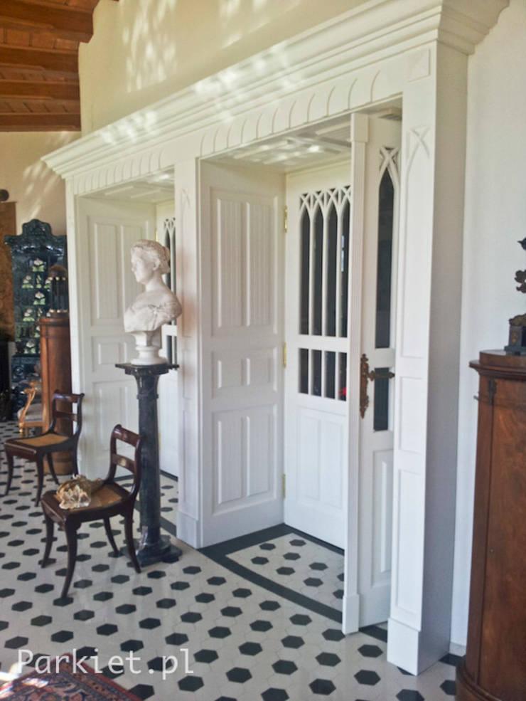 Colonial style bedroom by Profi Parkiet II Colonial