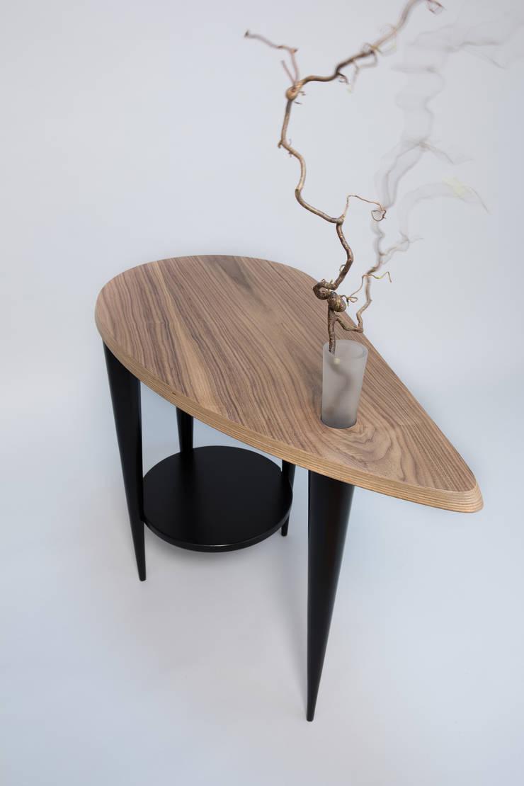 Stolik kawowy z flakonem: styl , w kategorii Sypialnia zaprojektowany przez Meble Autorskie Jurkowski
