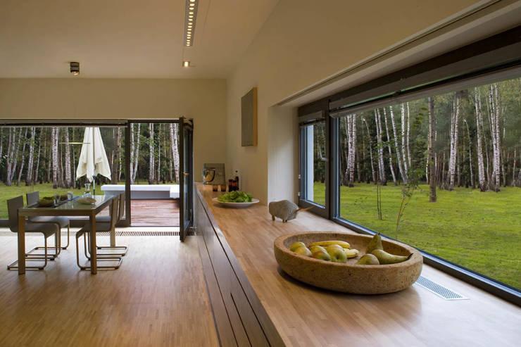 Столовые комнаты в . Автор – Ingarden & Ewý Architekci
