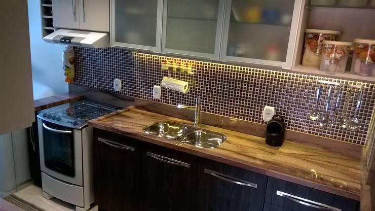 bancada granito: Cozinhas  por casulo arquitetura design