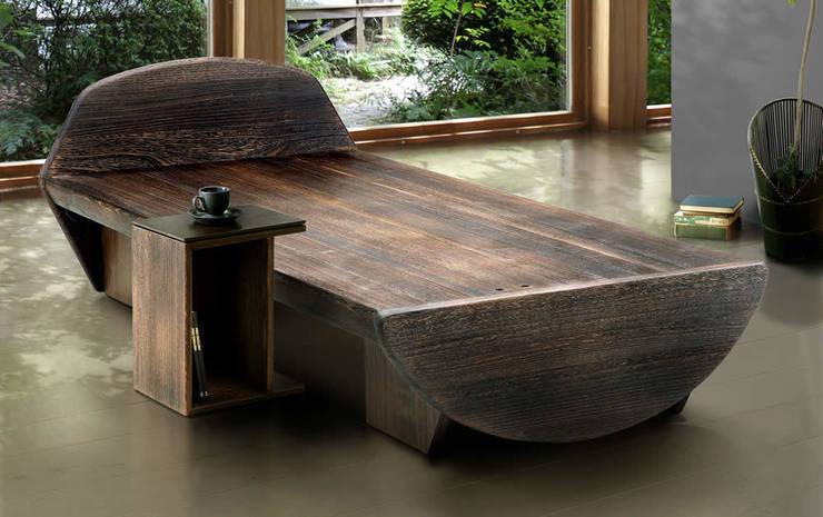 桐のベッド: 桐里工房が手掛けた寝室です。