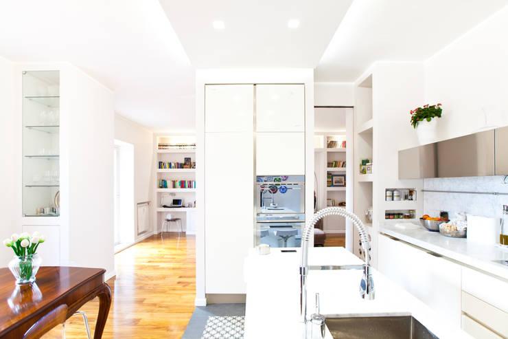 CASA DB: Cucina in stile  di DFG Architetti