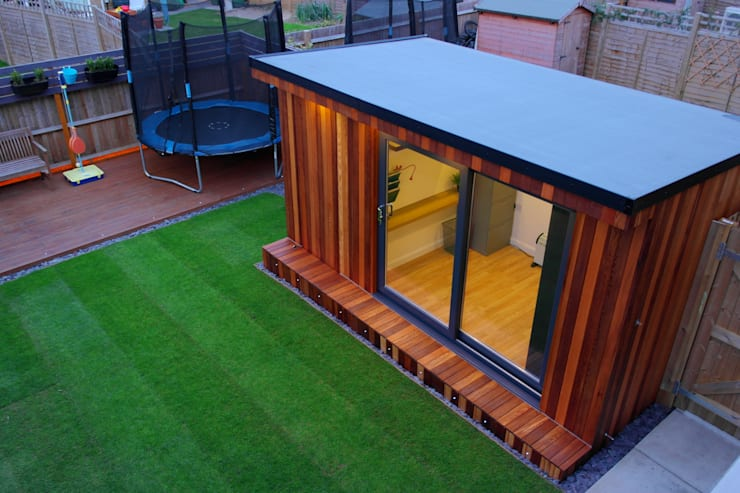 Garden Office with hidden storage shed built by Garden Fortress , Surrey:  Study/office by Garden Fortress