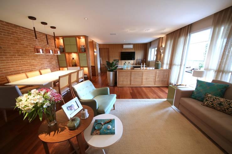 Vila Mascote III: Salas de estar  por MeyerCortez arquitetura & design