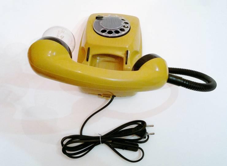 teleLAMPAfon - kaFka 77': styl , w kategorii Salon zaprojektowany przez RefreszDizajn,