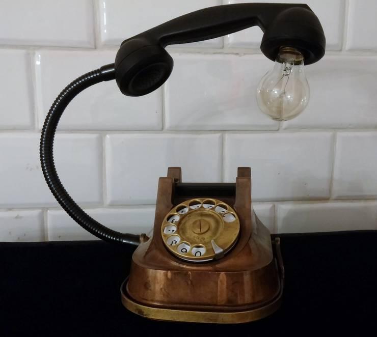 teleLAMPAfon - aJron 45': styl , w kategorii Domowe biuro i gabinet zaprojektowany przez RefreszDizajn