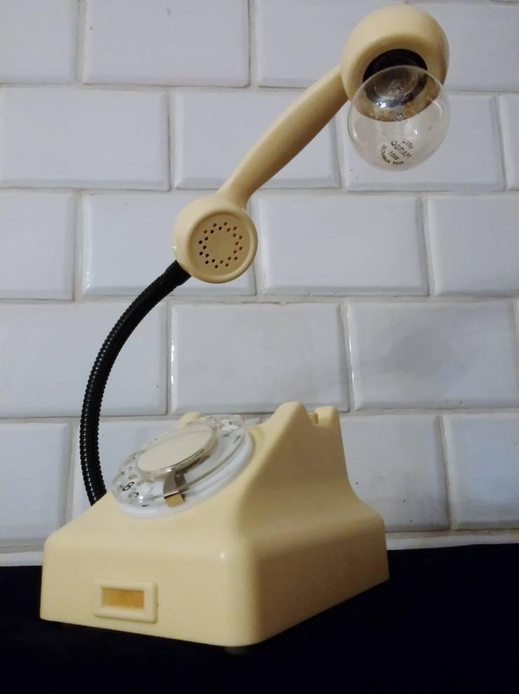 teleLAMPAfon - iVory 61': styl , w kategorii Salon zaprojektowany przez RefreszDizajn